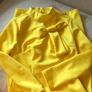 Dresses & Skirts - Yellow bodycon dress with neck bow